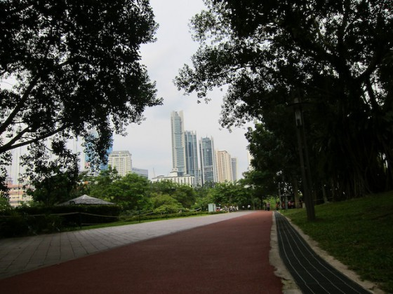 run 1 560x420 Running in the Kuala Lumpur City Center Park